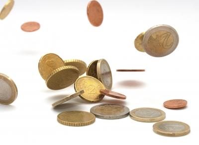 Cuando el esfuerzo por cobrar, supera la cuantía de la deuda.