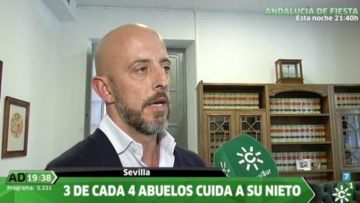 Fernando Salmerón nos da su visión en Andalucía Directo sobre la sentencia por la que se retira la custodia compartida a un padre por dejarlo con sus abuelos.